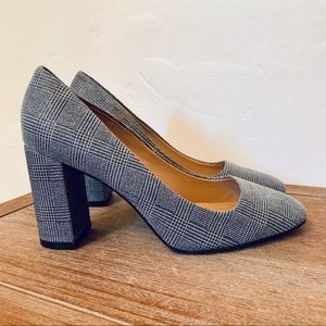 Banana Republic Houndstooth Heels